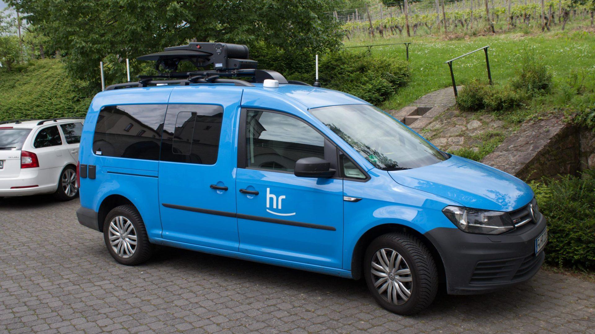 VW Caddy Übertragungswagen - 01-min