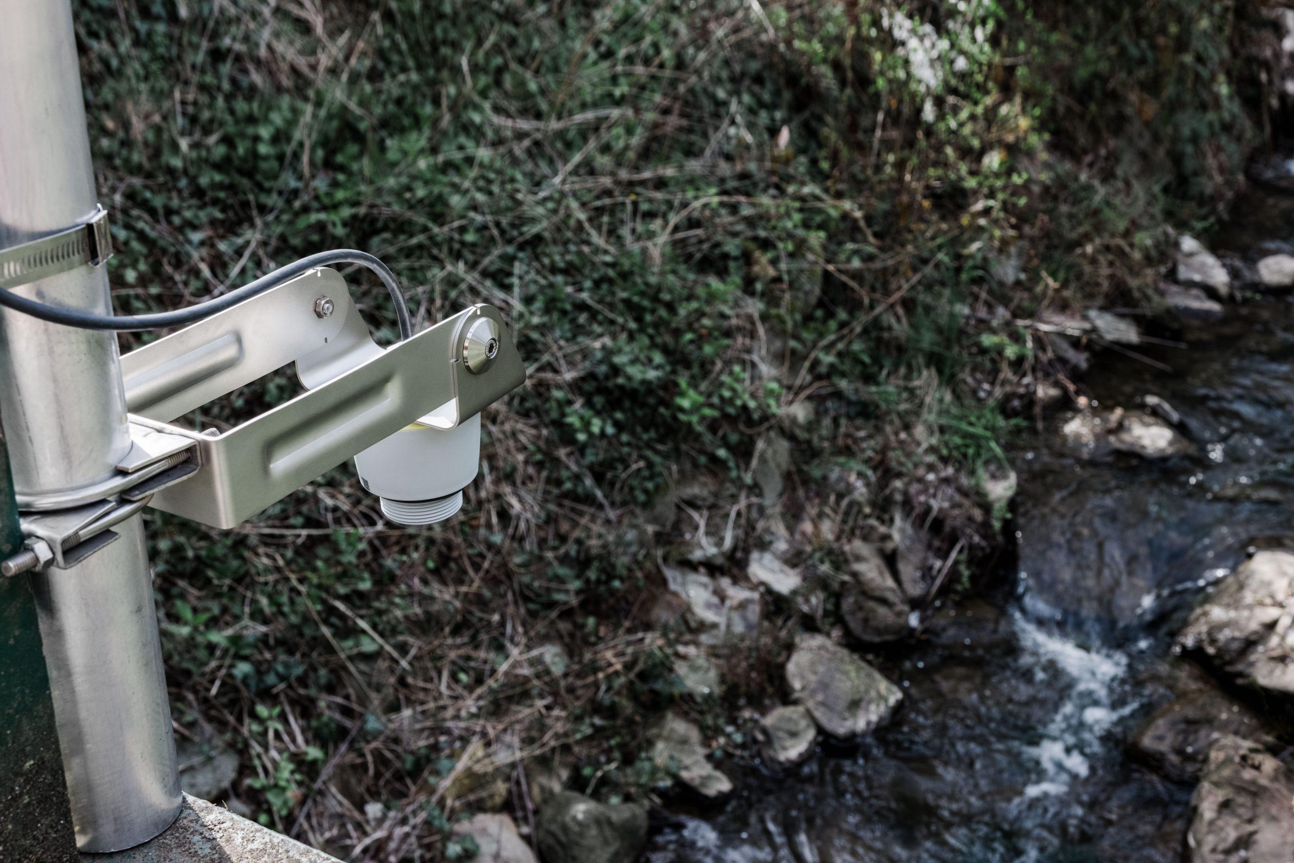Hochwasserwarnung, Wasserpegelmessung, Wasserpegelüberwachung, Füllstandüberwachung